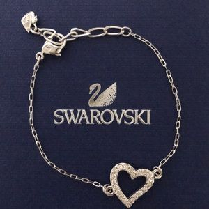 NWOT Authentic Swarovski heart bracelet.